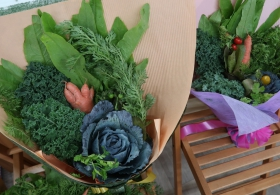 Veg Bouquet Brings Fresh Taste to Graduates