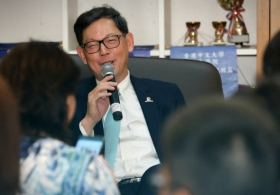Alumnus Norman Chan Visited CUHK